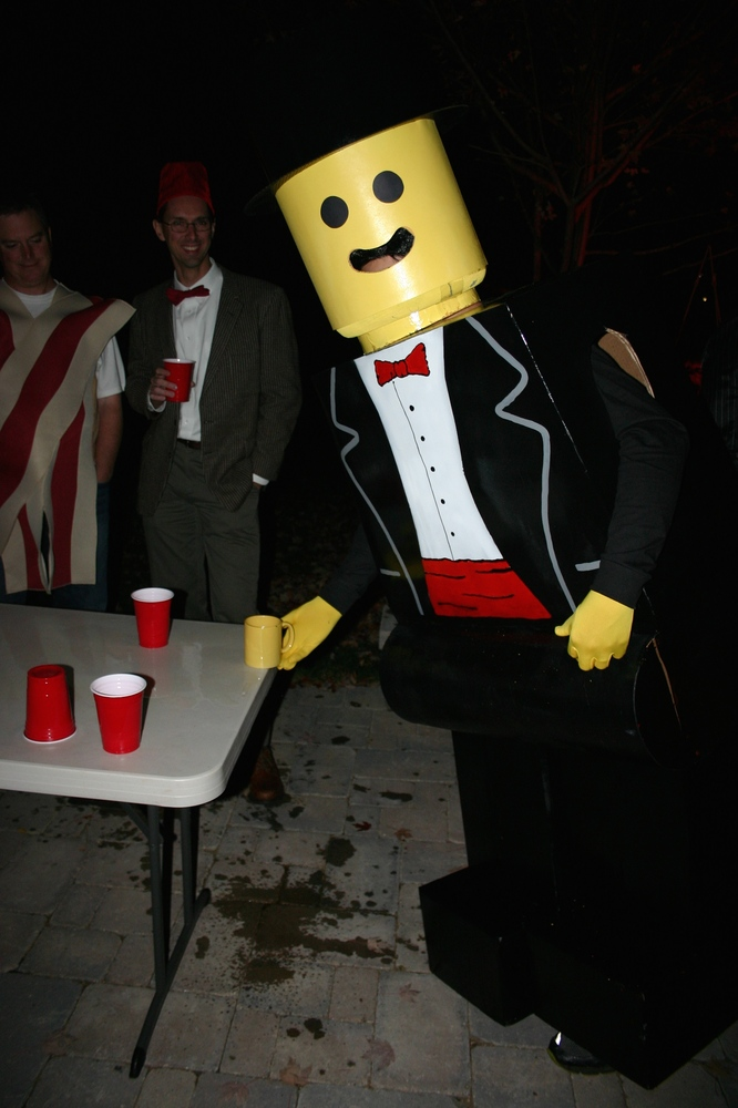 Lego-Man-Getting-Drunk