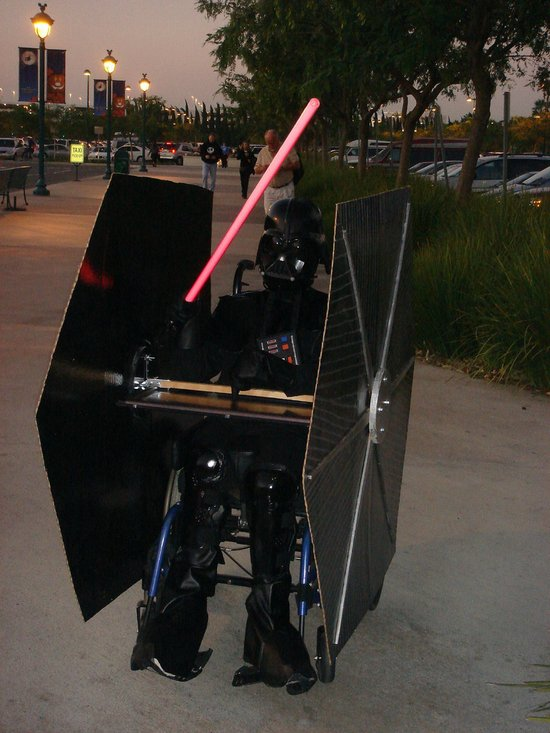 elaborate-darth-vader-costume