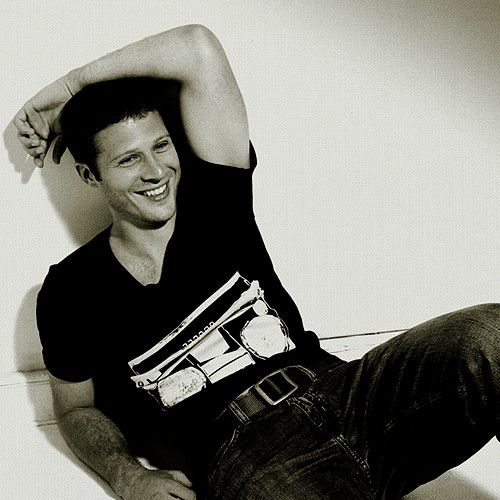 Best Photo Of Zach Gilford